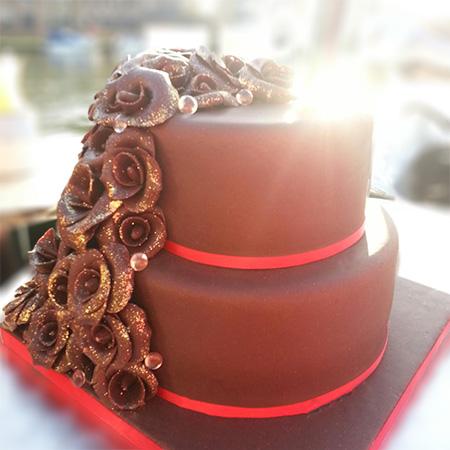 Chocolate Cake And Roses Cake