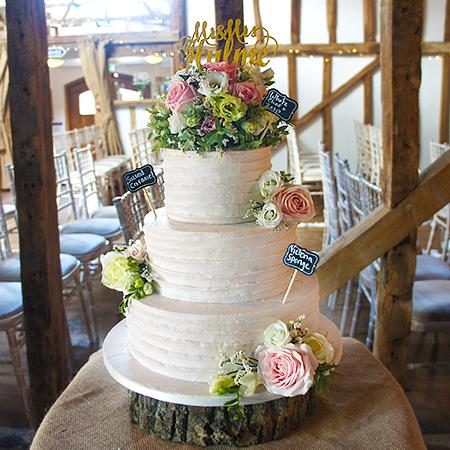 Beautiful Tiered Wedding Cakes Newbury Cake Amp Lace