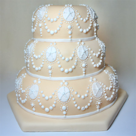 Decorating A Sponge Cake With Royal Icing