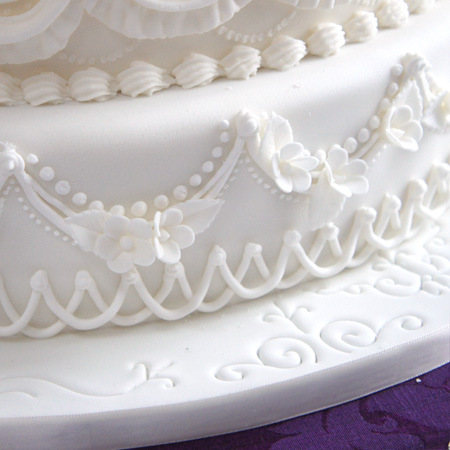 how to make icing roses for wedding cakes decorating wedding cakes with royal icing 15965