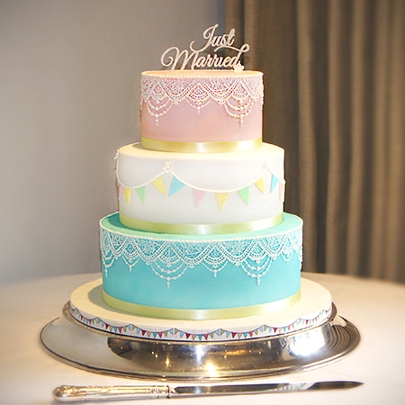 pink blue and white wedding cakes wedding cake testimonials and reviews newbury berkshire 18569